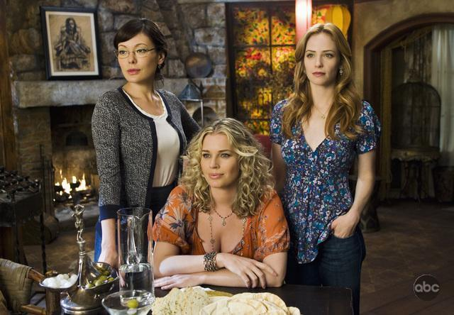 Lindsay Price, Rebecca Romijn, Jaime Ray Newman.