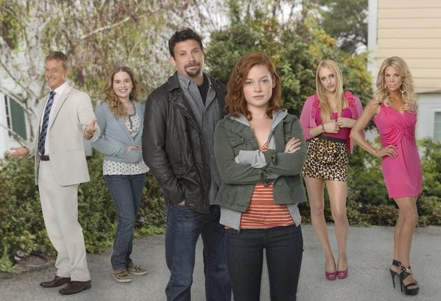 Alan Tudyk, Allie Grant, Jeremy Sisto, Jane Levy, Carly Chaikin and Cheryl Hines star in ABC's Suburgatory.