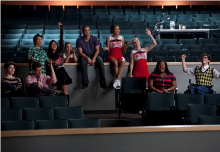 The Glee club watch Sunshine perform in