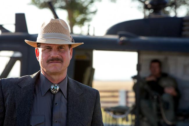 Bill Paxton as CIA asset Earl in 2 Guns