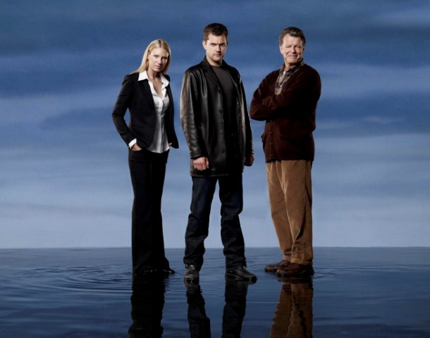 Unexplained phenomena and terrifying occurrences continue in the second thrilling season of FRINGE premiering Thursday, Sept. 17 (9:00-10:00 PM ET/PT) on FOX. Pictured L-R: Anna Torv, Joshua Jackson and John Noble. ©2009 Fox Broadcasting Co. CR: Justin Stephens/FOX.