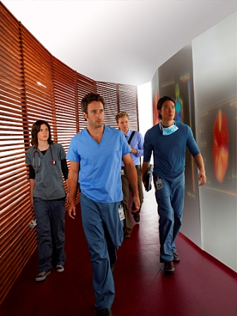 Dr. Andy Yablonski (Alex O'Loughlin, center), the highly-skilled workaholic lead organ transplant surgeon, Dr. Miranda Foster (Katherine Moennig), a surgical fellow with a rebellious streak, Dr. David Lee (Daniel Henney), a womanizing surgical resident and Ryan Abbott (Christopher J. Hanke), who despite possessing no prior medical experience, becomes the transplant coordinator on THREE RIVERS on Sunday, Oct. 4 (9:00-10:00 p.m. ET/PT) on the CBS Television Network.