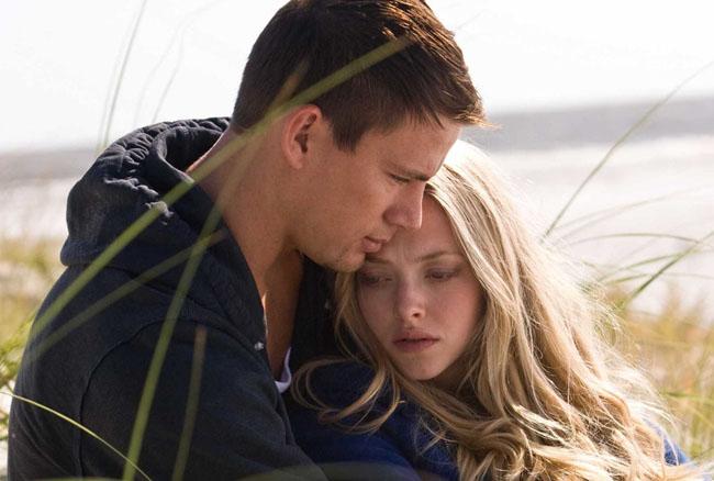 Let Us Be Lovers: Channing Tatum as John and Amanda Seyfried as Savannah in 'Dear John'