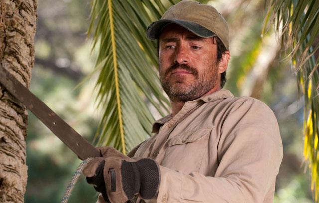 Hard Knocks: Carlos (Demián Bichir) Keeps Going in 'A Better Life'
