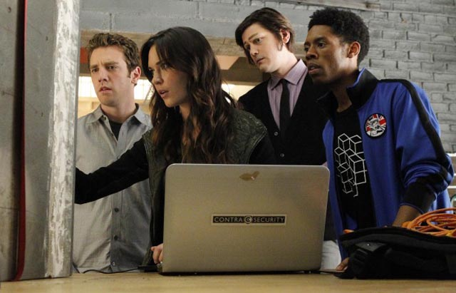 The Payoff Team: Cam (Bret Harrison), Melanie (Odette Annable), Josh (Trevor Moore), and Cash (Alphonso McAuley) in 'Breaking In'
