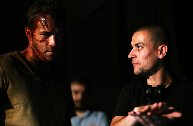 Thinking Outside the Box: Ryan Reynolds and Director Rodrigo Cortés on the set of 'Buried'