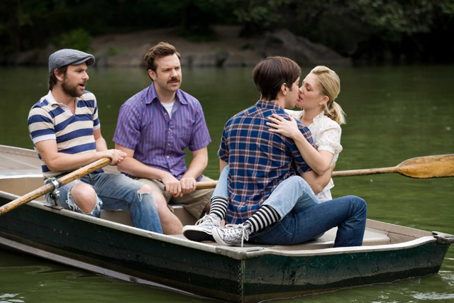 Staying Afloat: Charlie Day as Dan, Jason Sudeikis as Box, Justin Long as Garrett and Drew Barrymore as Erin in 'Going the Distance'
