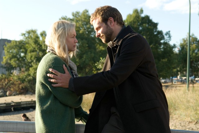 Renée Zellweger and Bradley Cooper star in Christian Alvart's Case 39.