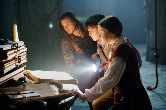 Illuminating the Plot: King Caspian (Ben Barnes), Edmund (Skandar Keynes) and Lucy Look it Up in 'The Chronicles of Narnia: The Voyage of the Dawn Treader'