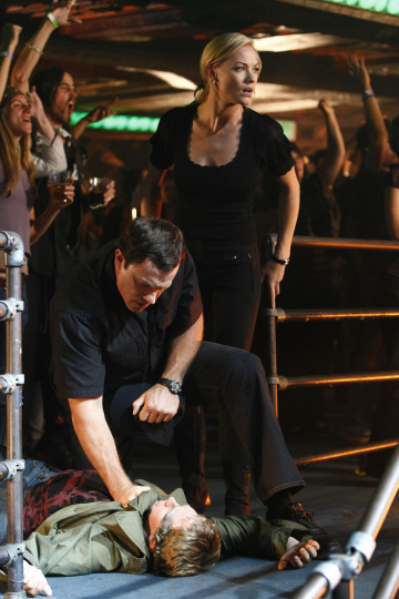 Adam Baldwin as John Casey, Yvonne Strahovski as Sarah Walker