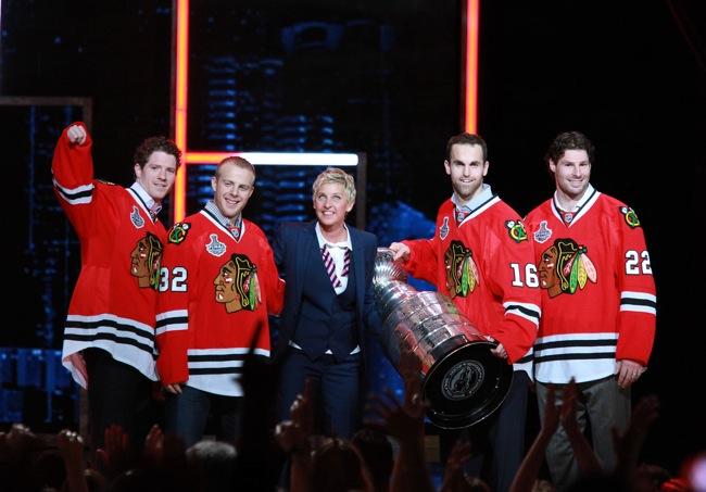 """Ellen DeGeneres with the Blackhawks"""" target="""