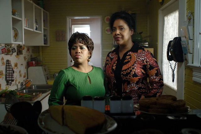 Relations: Chandra Wilson as Maxine and Phylicia Rashad as Edna in 'Frankie and Alice'