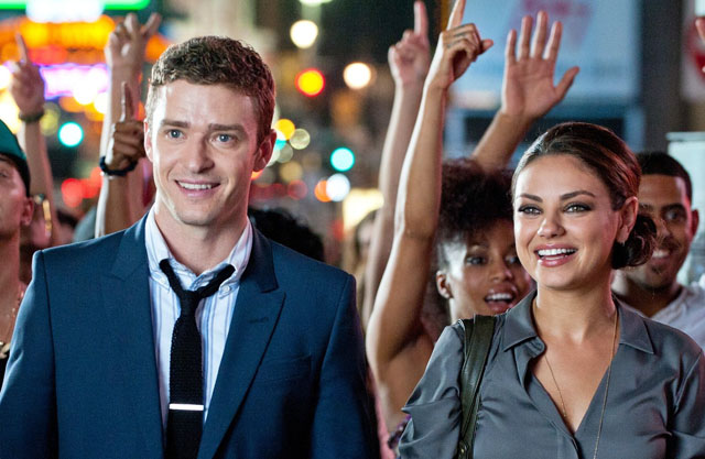 Flash Mobbing: Dylan (Justin Timberlake) and Jamie (Mila Kunis) in 'Friends with Benefits'