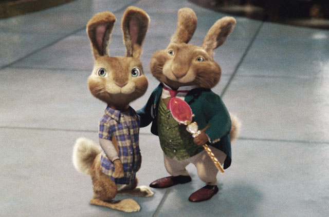 Rabbit Heirs: E.B. (Voice of Rusell Brand) and Dad (Hugh Laurie) in 'Hop'