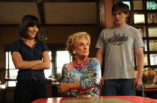Shannon Woodard (Sabrina), Cloris Leachman (Maw Maw) and Lucas Neff (Jimmy) in 'Raising Hope'