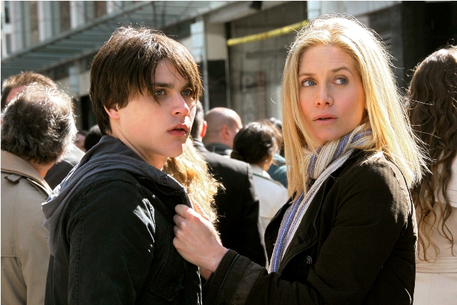 Logan Huffman and Elizabeth Mitchell star in V: The Complete First Season.