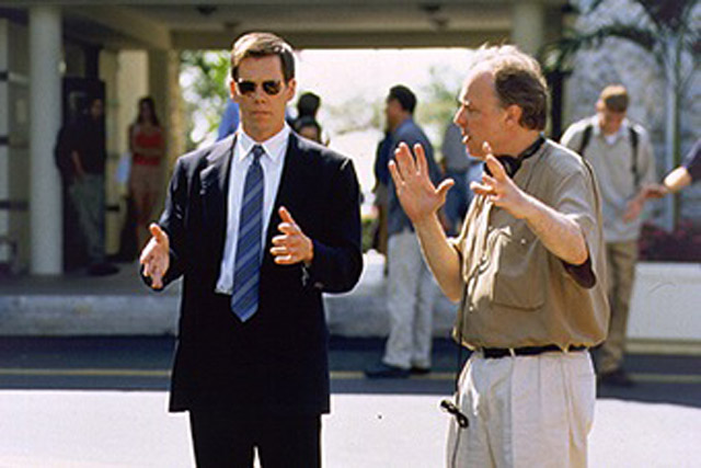 """Six Degrees: Kevin Bacon and Director John McNaughton on the set of """"Wild Things"""