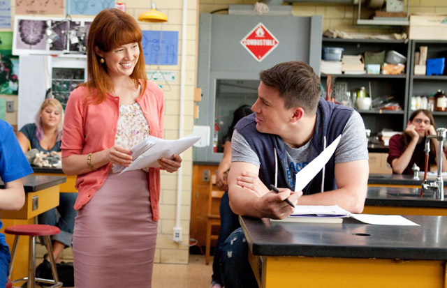 Hot for Student: Ellie Kemper (Ms. Griggs) and Channing Tatum in '21 Jump Street'