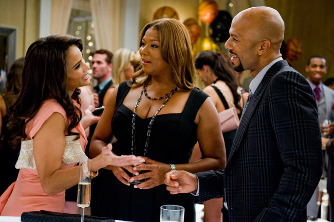 Triangle Offense: Paula Patton as Morgan, Queen Latifah as Leslie and Common as Scott in 'Just Wright'