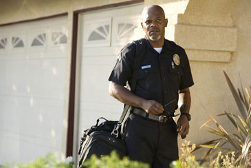 Cop Rocker: Samuel L. Jackson in 'Lakeview Terrace'