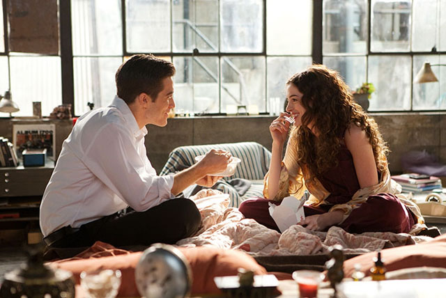 Coosome: Jake Gyllenhaal as Jamie and Anne Hathaway as Maggie in 'Love and Other Drugs'