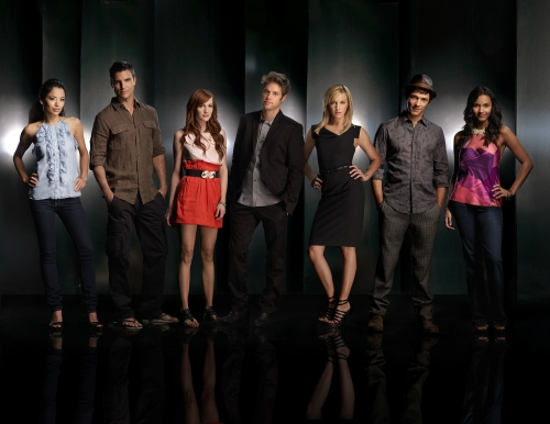 MELROSE PLACE Pictured (Left to Right): Stephanie Jacobsen as Lauren, Colin Egglesfield as Auggie, Ashlee Simpson-Wentz as Violet, Shaun Sipos as David, Katie Cassidy as Ella, Michael Rady as Jonah, Jessica Lucas as Riley in MELROSE PLACE on The CW.
