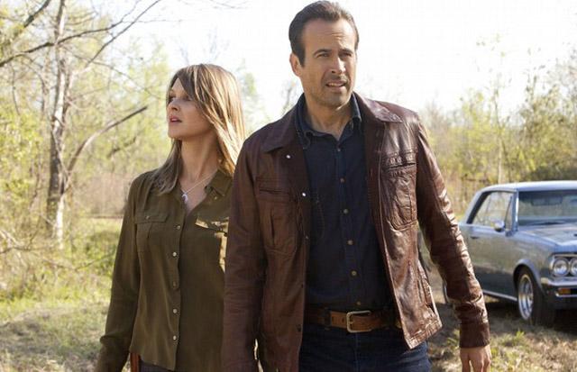 Partners?: Claire (Beau Garrett) and Dwight (Jason Lee) in 'Memphis Beat'