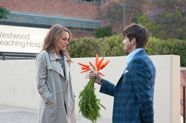Let Us Be Lovers: Natalie Portman (Emma) and Ashton Kutcher (Adam) in 'No Strings Attached'