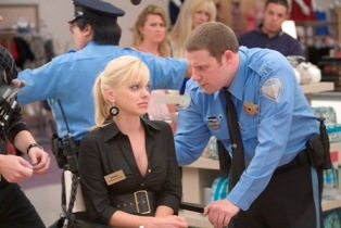 Anna Faris as Brandi and Seth Rogen as Ronnie in Warner Bros. Pictures' and Legendary Pictures' comedy