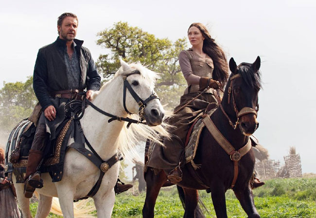Russell Crowe as Robin Hood and Cate Blanchett as Lady Marian in 'Robin Hood'