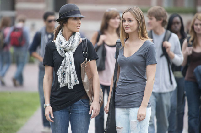 Roomies: Minka Kelly as Sara and Leighton Meester as Rebecca in 'The Roommate'