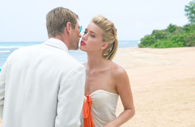 Aaron Echkart and Amber Heard in 'Rum Diary'