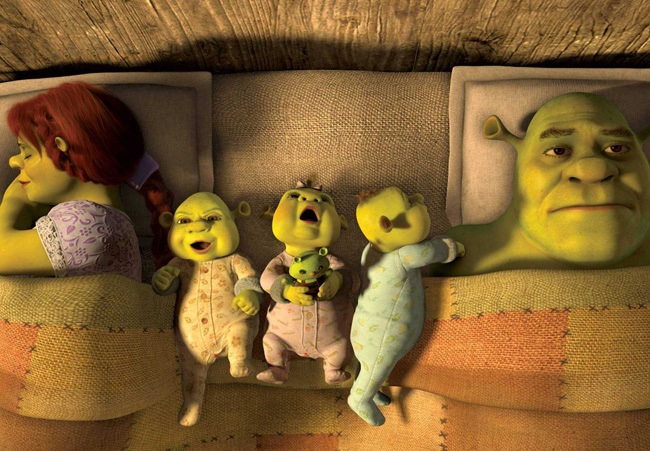 Domestic Orge: Fiona (Cameron Diaz), the Babies and Shrek (Mike Myers) in 'Shrek Forever After'
