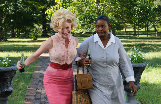 Jessica Chastain as Celia and Octavia Spencer as Minny in 'The Help'