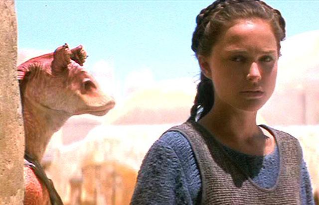 Jar Jar Binks and Natalie Portman in 'Star Wars: Episode 1 –The Phantom Menace'
