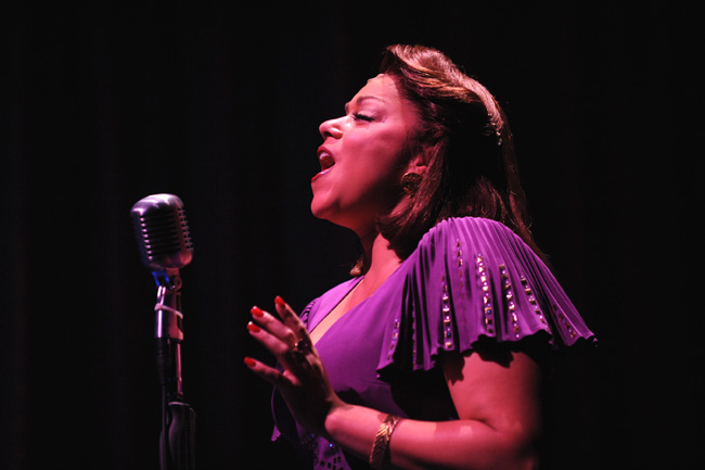 Lina Kernan in the Chicago production of Ain't Misbehavin'
