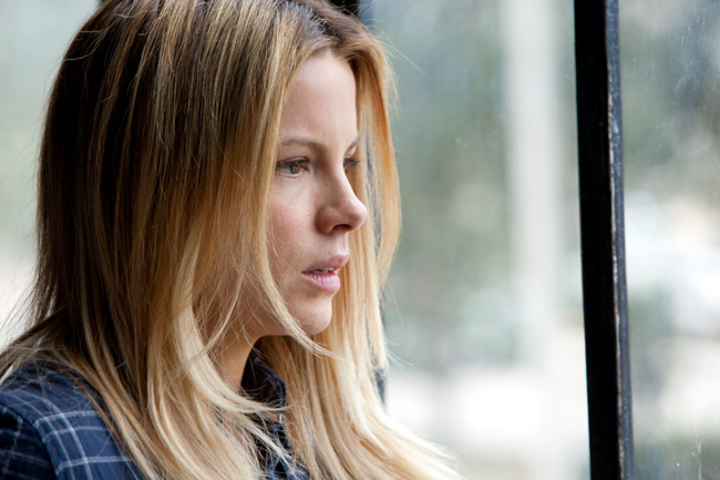 Kate Beckinsale stars in Contraband