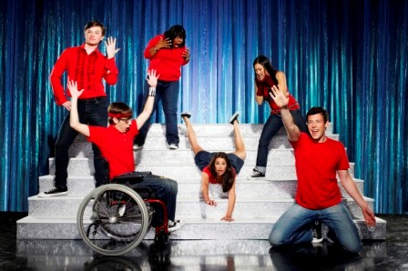 Glee: The new one-hour comedy musical series about a group of aspiring underdogs will special preview Tuesday, May 19 (9:00-10:00 PM ET/PT) on FOX. Pictured clockwise from L: Chris Colfer, Amber Riley, Lea Michele (C), Jenna Ushkowitz, Cory Monteith and Kevin McHale. ©2009 Fox Broadcasting Co. CR: Matthias Clamer/FOX