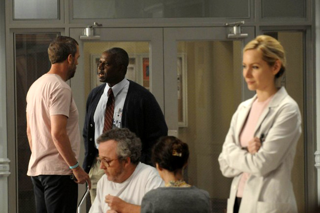 Andre Braugher as Dr. Nolan with Hugh Laurie as Dr. Gregory House for the sixth season of House