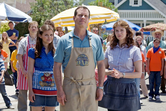 From left to right: Ginnifer Goodwin, Bill Paxton and Jeanne Tripplehorn in season three of Big Love on HBO