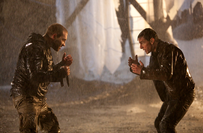 Jai Courtney and Tom Cruise in Jack Reacher