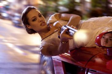 Angelina Jolie, James McAvoy, Wanted (1)
