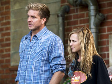 Kenny Johnson and Holly Hunter in Saving Grace on TNT