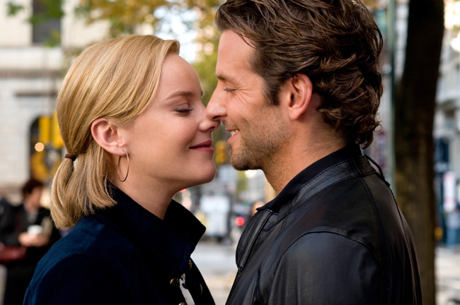 Abbie Cornish (left) and Bradley Cooper in Limitless