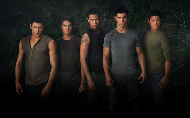 Left to right: Alex Meraz as Paul, Kiowa Gordon as Embry Call, Chaske Spencer as Sam Uley, Taylor Lautner as Jacob Black and Bronson Petteltier as Jared in The Twilight Saga: New Moon