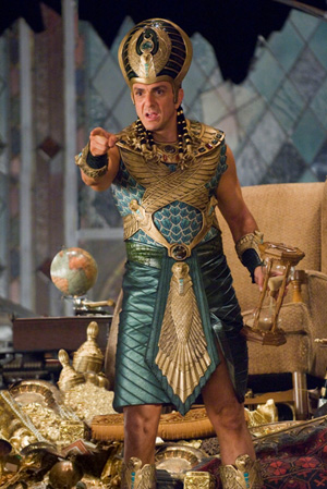 Hank Azaria in Night at the Museum: Battle of the Smithsonian