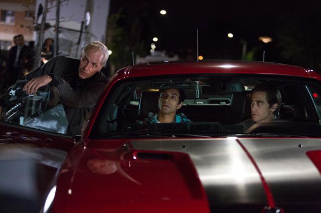 Dan Gilroy, Riz Ahmed and Jake Gyllenhaal in Nightcrawler