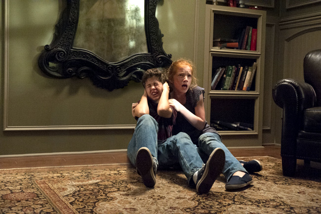 Garrett Ryan and Annalise Basso in Oculus
