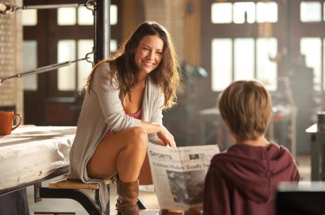 Evangeline Lilly and Dakota Goyo in Real Steel