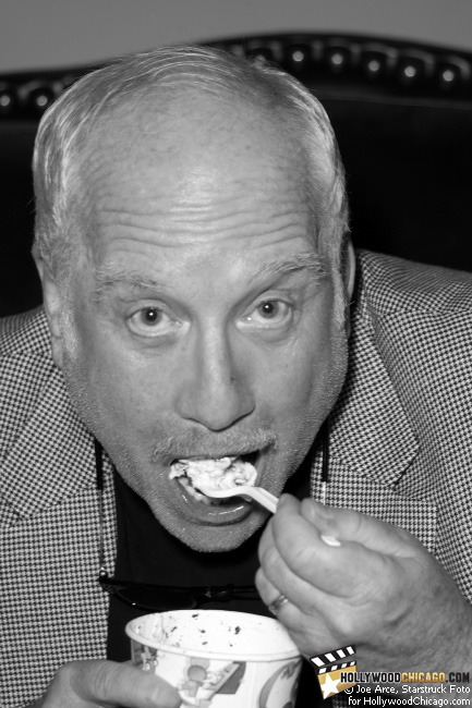 Richard Dreyfuss Enjoys a Treat at the Hollywood Palms Cinema in Naperville, Illinois, September 19th, 2009
